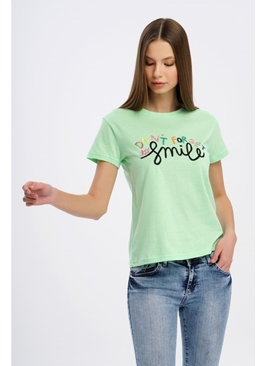 Nismia Renkli Nakışlı Basic Tshirt Yeşil